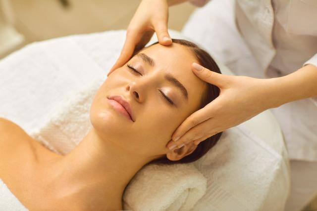 60 Min. Pure Relaxation Facial