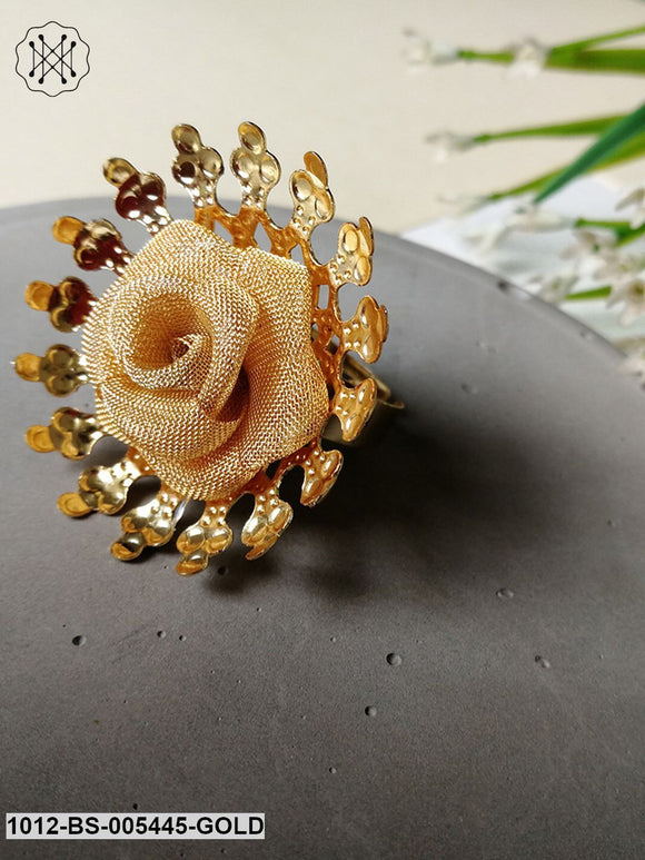 Priyaasi Rose Inspired Pearl Statement Ring