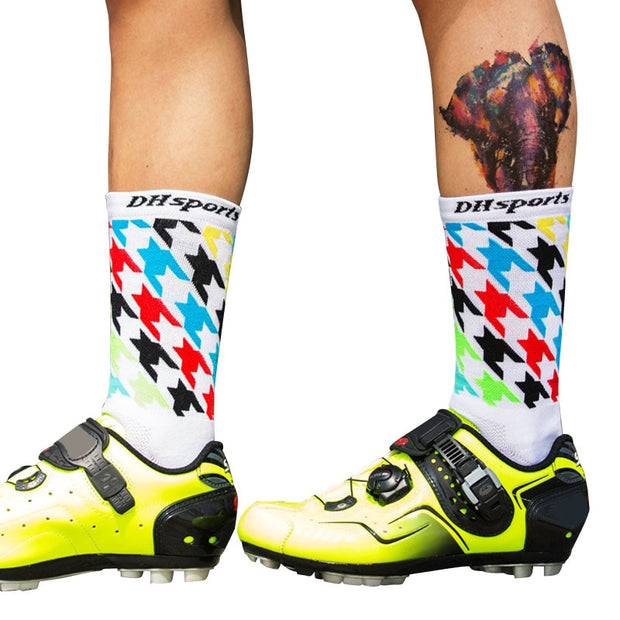 DH SPORTS 2 Pairs Men Running Socks Sport Socks Running Calcetines Ciclismo Nylon Cycling Sox Hiking Compression Socks Women