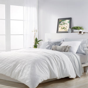 Microsculpt Solid Ogee Comforter Set white