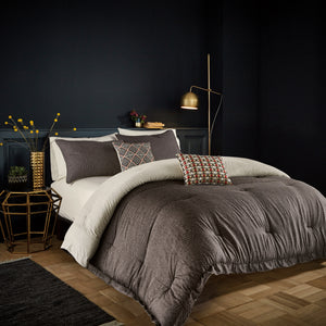 Bedeck Arrow Comforter Set