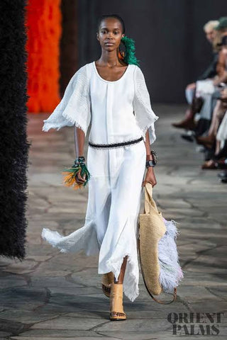 Conjunto elegante blanco loewe paris fashion week 2019