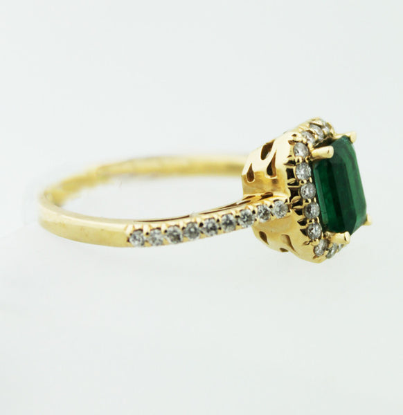 Emerald & Diamond Yellow Gold Ring - Kuhn's Jewelers - 2