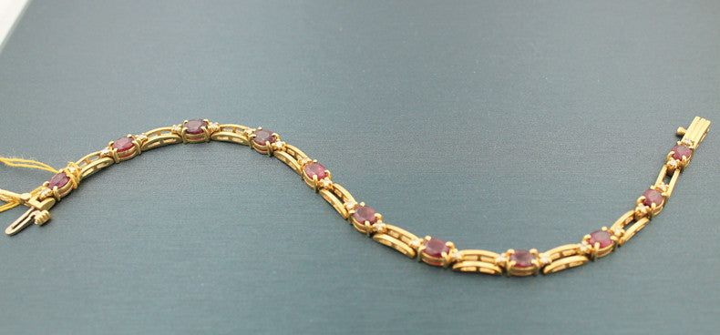Ruby & Diamond yellow gold bracelet