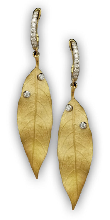Yellow Gold Diamond earrings - Leaf texture