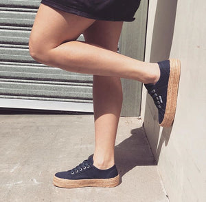Charlotte Canvas Sneakers - Navy