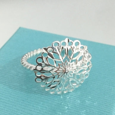 Star Flower Lattice Ring