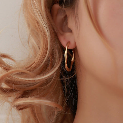 Punk Rock Minimalist Geometric Distortion Gold Alloy Round Circle Hoop Earrings