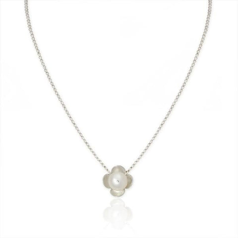 Small Flower Necklace with pearl