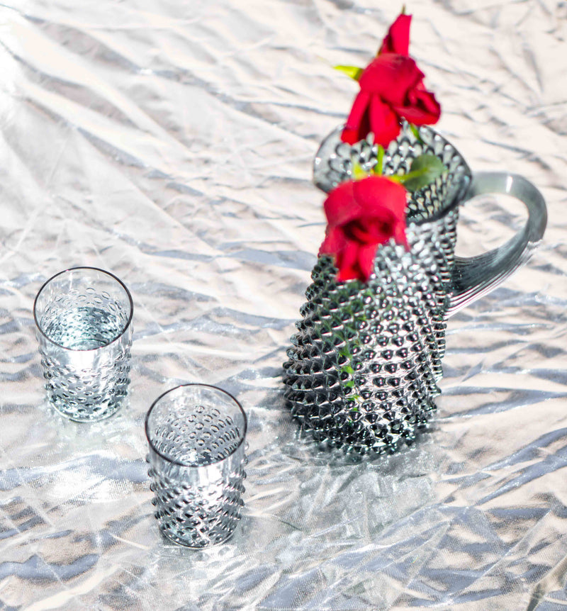 Grey Smoke Glass Setup with Red Roses