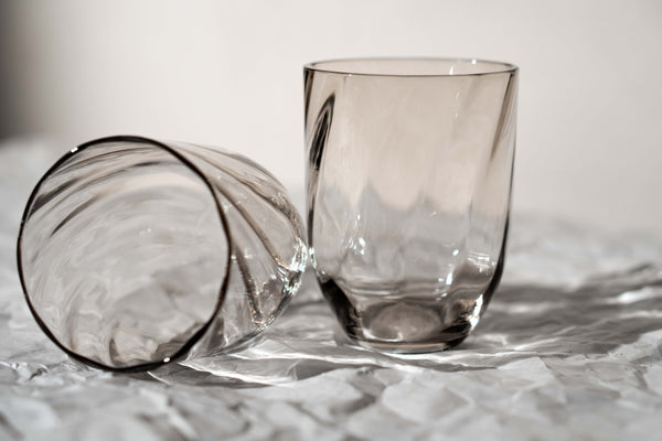 Close-up photo of Underlay Black Smoke Marika Tumblers