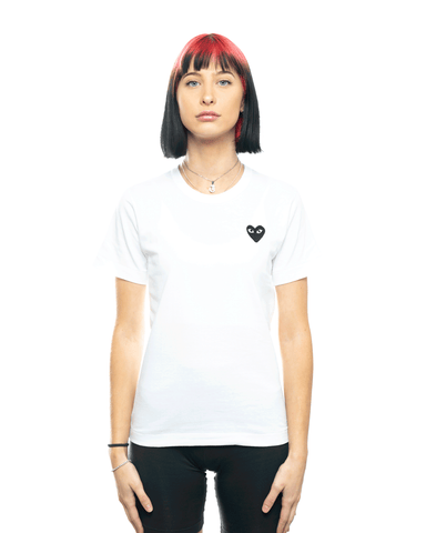 CDG PLAY AZ-T063-051 Womens Black Heart Patch Tee White