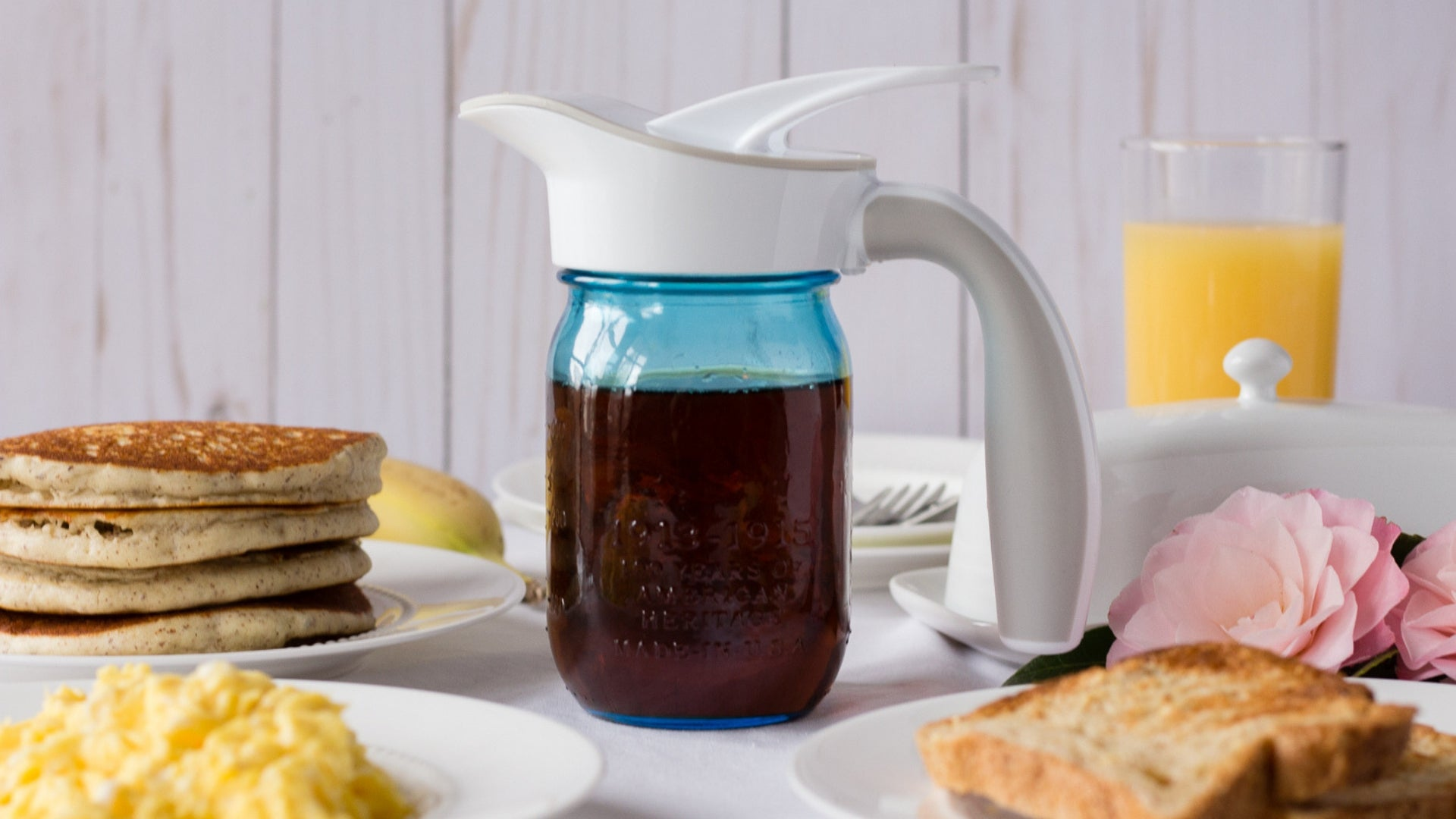 Ergo Spout™: Mason Jar spout and handle with breakfast foods