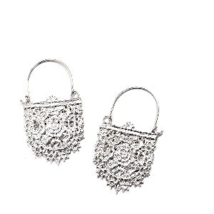 Solid sterling silver hoop earrings made from lace that has been molded and cast.   Material: Sterling Silver  Size: Approx. 4 cm in length.      *Each piece of jewellery is made by hand and may vary slightly