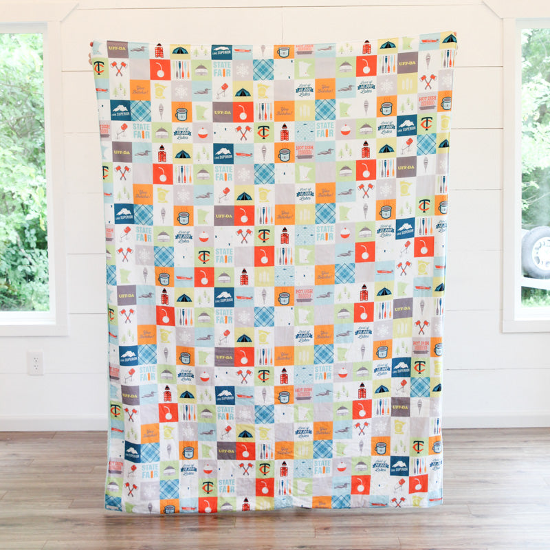 Minnesota Patchwork Adult Cuddle Blanket