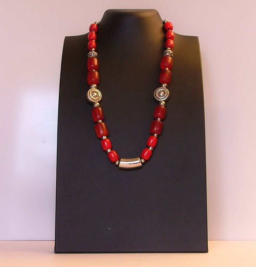 Amarillia boho necklace in warm red  with silver tone metal