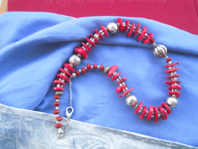Red necklace gift code Amantha