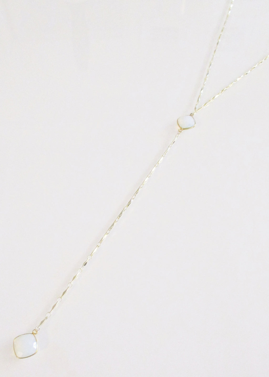 ANYA CELESTE Y NECKLACE WHITE OPAL