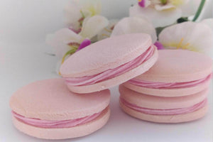 Raspberry & White Chocolate Buttercream Alfajores (4 units)