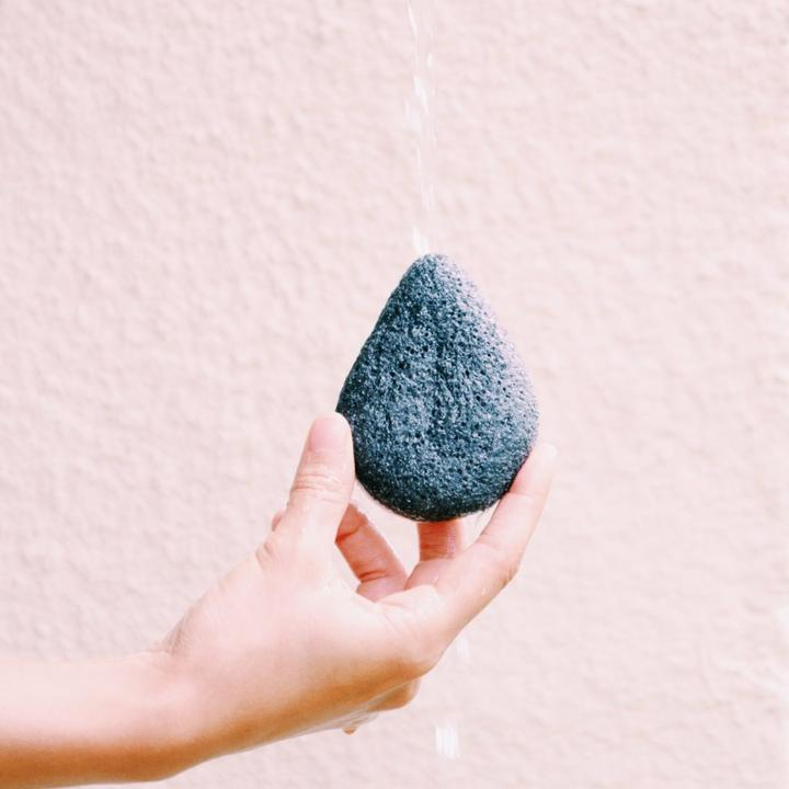 Konjac Activated Charcoal Facial Sponge