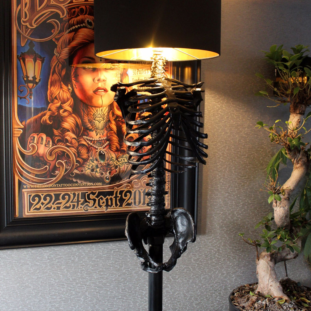 The Black Skeleton Floor Lamp - The Blackened Teeth