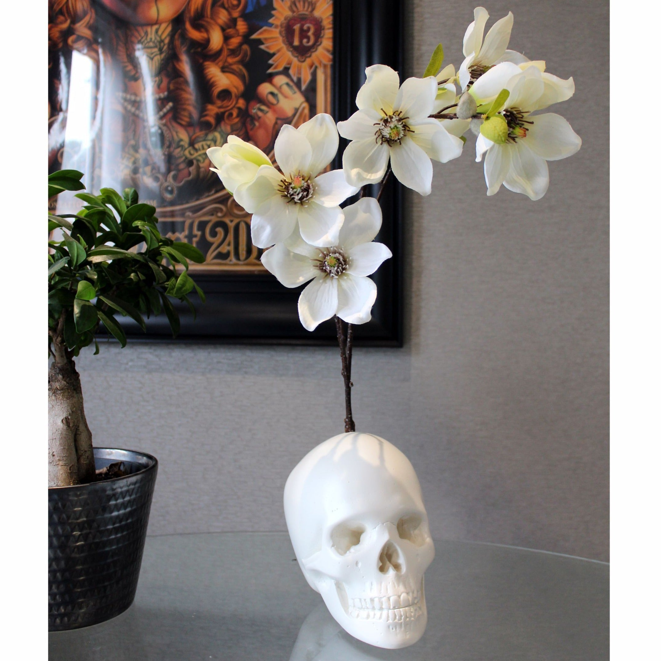 Magnolia Skull Flowerhead - The Blackened Teeth