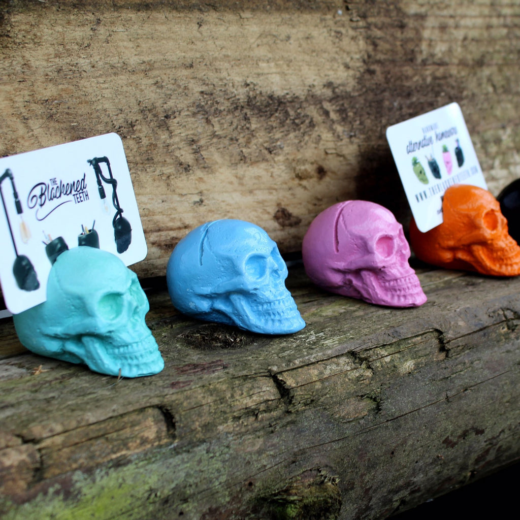 Skull Place Card Holder - The Blackened Teeth