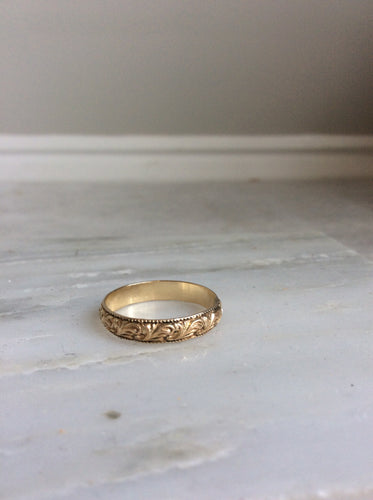 Vintage inspired engraved wedding band