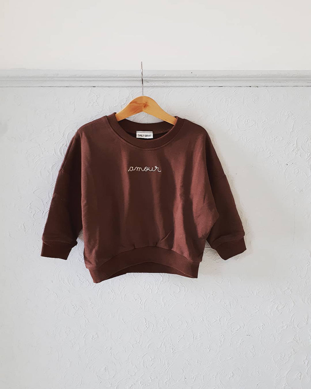 DAILY BRAT AMOUR SWEATER BROWN