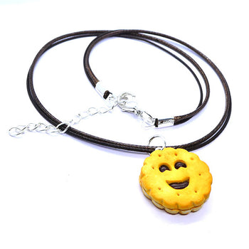 Collier biscuit sourire