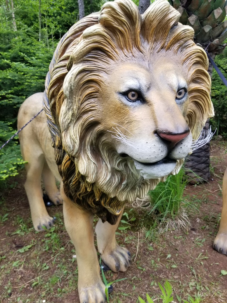grand scale lion statue for sale