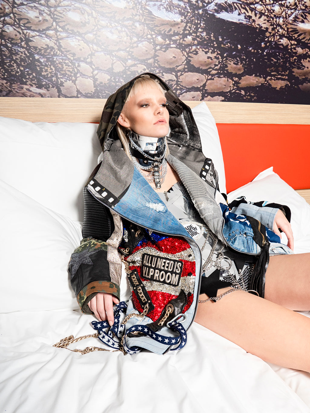 "PIA BOLTE® PARKA ""all u need is V.I.P. Room"" - PIA BOLTE® COUTURE"