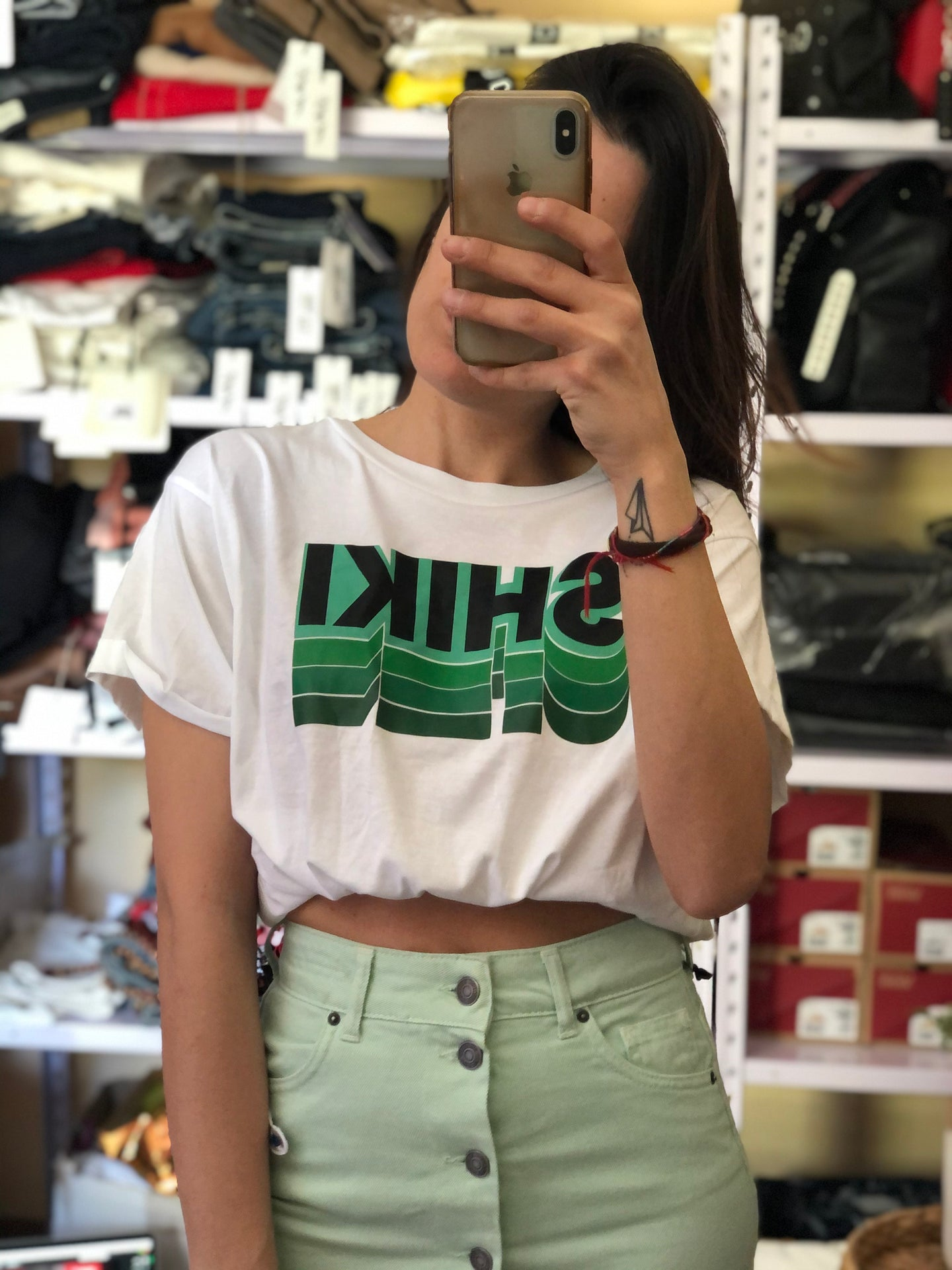 T-shirt cropped logata