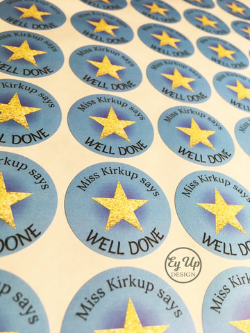 Blue well done circular sticker with gold star