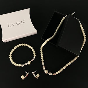 Avon Amaryn 3 Piece Gift Set - Acrylic Pearl Necklace, Bracelet, Earrings-infinitote.com