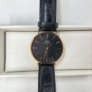 Daniel Wellington Analog Classic Petite Reading Black Dial Watch-infinitote.com