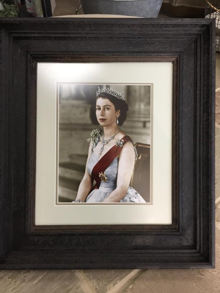 Queen in A Frame