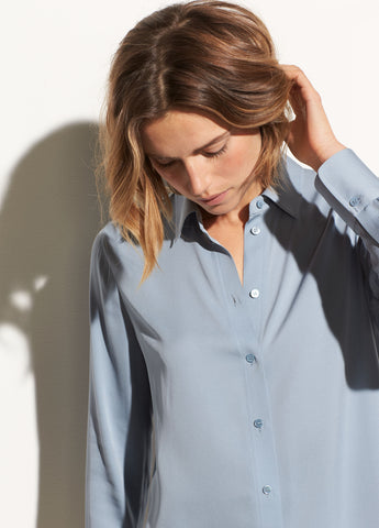 Slim Fitted Stretch-Silk Blouse in Glass