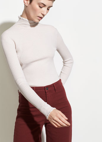Lettuce Edge Turtleneck in Stucco