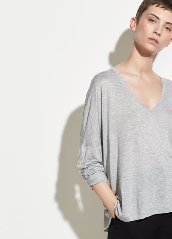 Drop Shoulder V-neck in Heather Grey