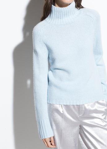 Saddle Sleeve Cashmere Turtleneck in Horizon