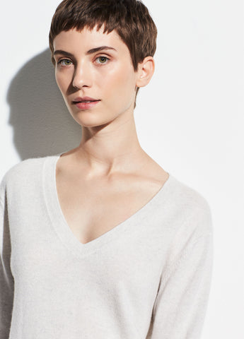 Cashmere Weekend V-Neck in Heather White