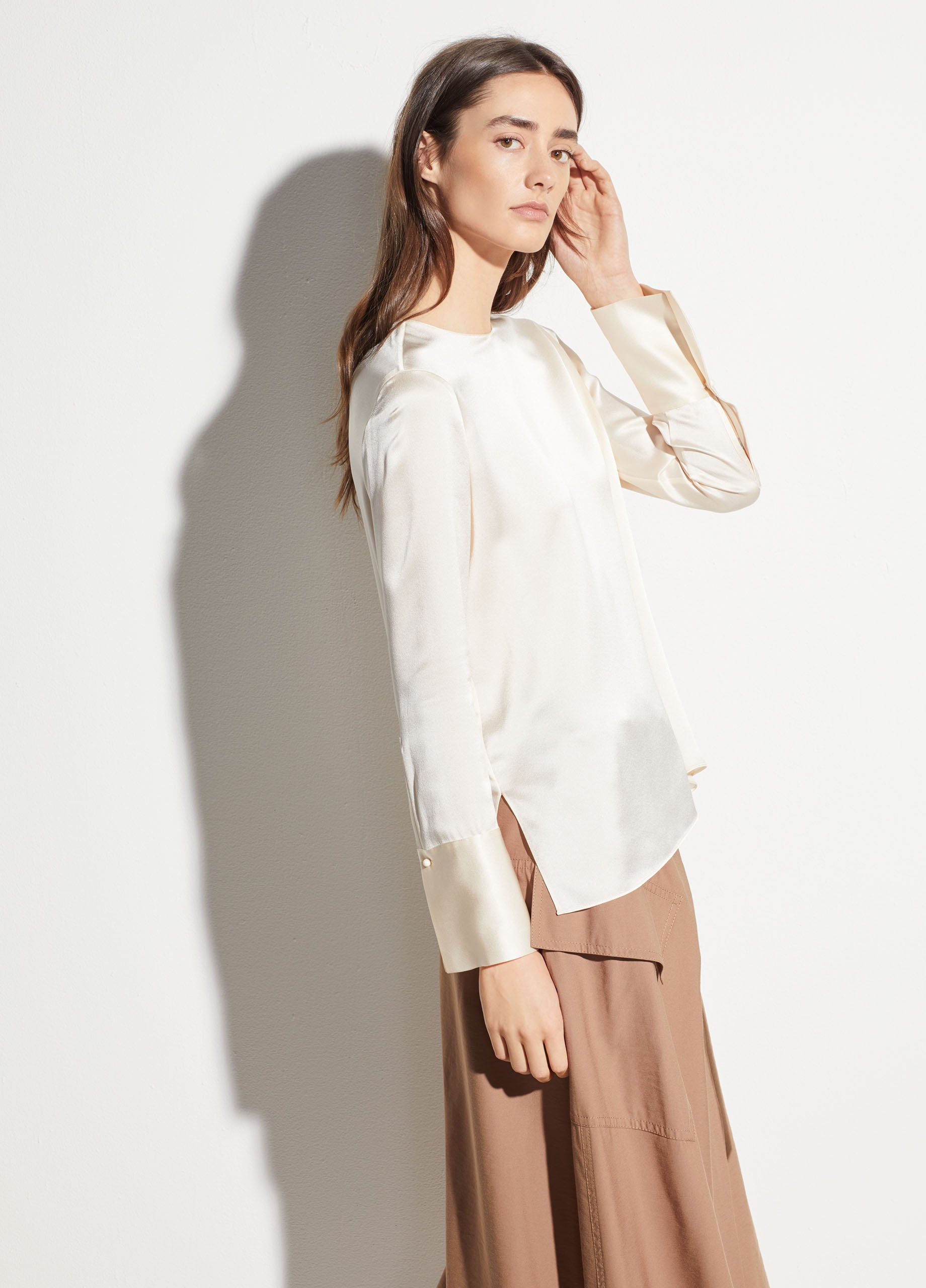 2abe023ad264f9 Vince | Crew Neck Silk Blouse in Chiffon | Vince Unfold