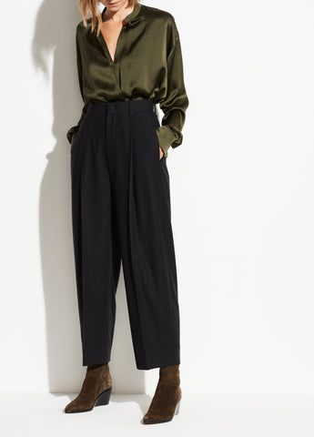 Pleat Front Flannel Cropped Pant in Black