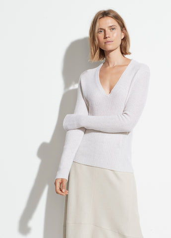 Mini Cable Cashmere V-Neck in Heather White