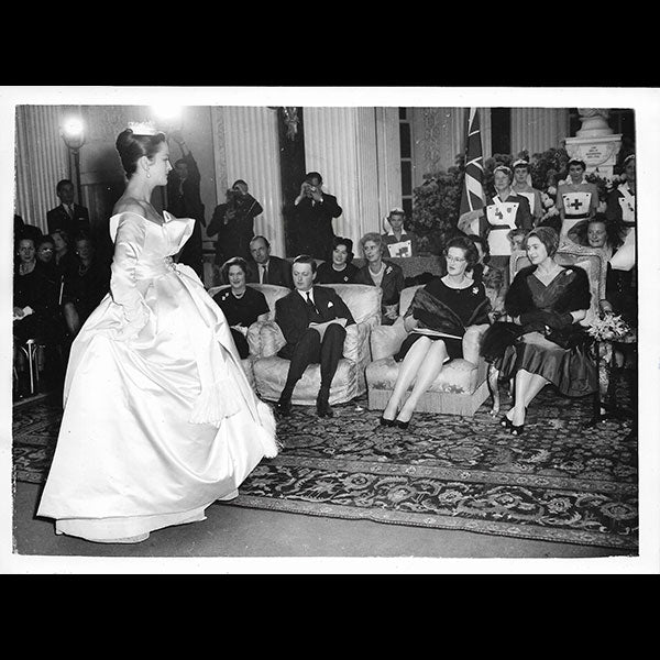 Présentation de la collection Christian Dior au Blenheim Palace (1958)
