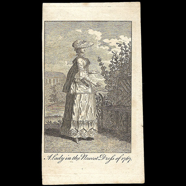 A Lady in the newest dress of 1767, gravure du Ladies Own Memorandum Book (1767)