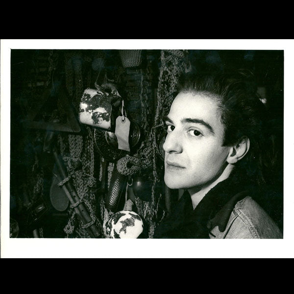 Portrait de John Galliano par Renald Destrez (1984)