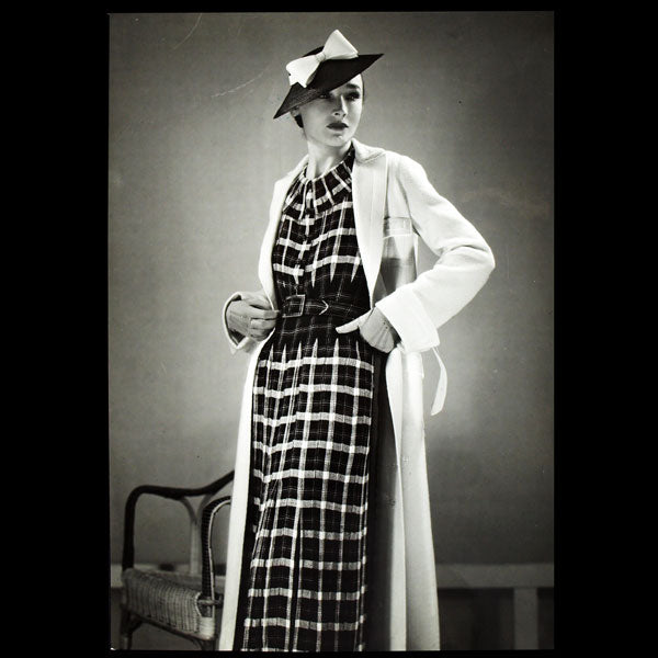 Robe de Lucien Lelong, photographie d'époque du studio Deutsch (circa 1935)