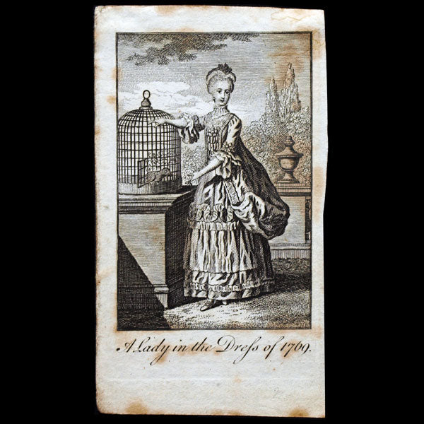 A Lady in the dress of 1769, gravure du Ladies Own Memorandum Book (1769)